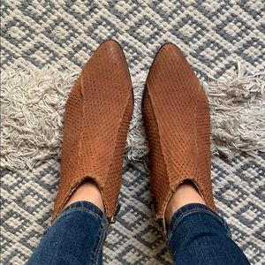 Shoes - All leather Light brown ankle booties- brand new